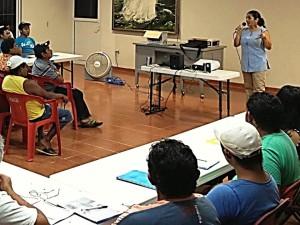 Minerva Alonso, Directora de CeDePesca-México, en la presentación de la propuesta