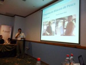 Edwin Medina, Director de CeDePesca Panamá exponiendo sobre el PROME de dorado de Panamá